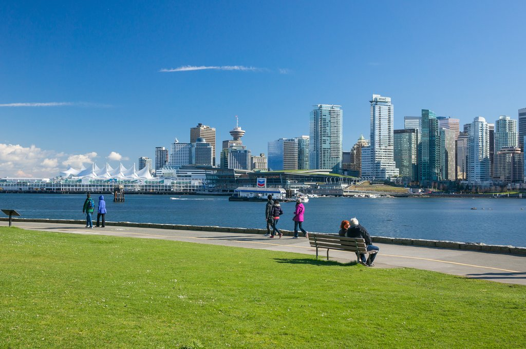Stanley Park's 5.5-mile seawall loop