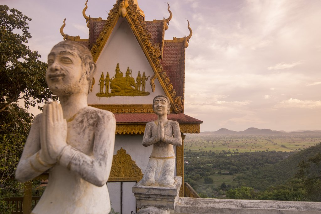 Check out the golden hour views from Wat Sampeau
