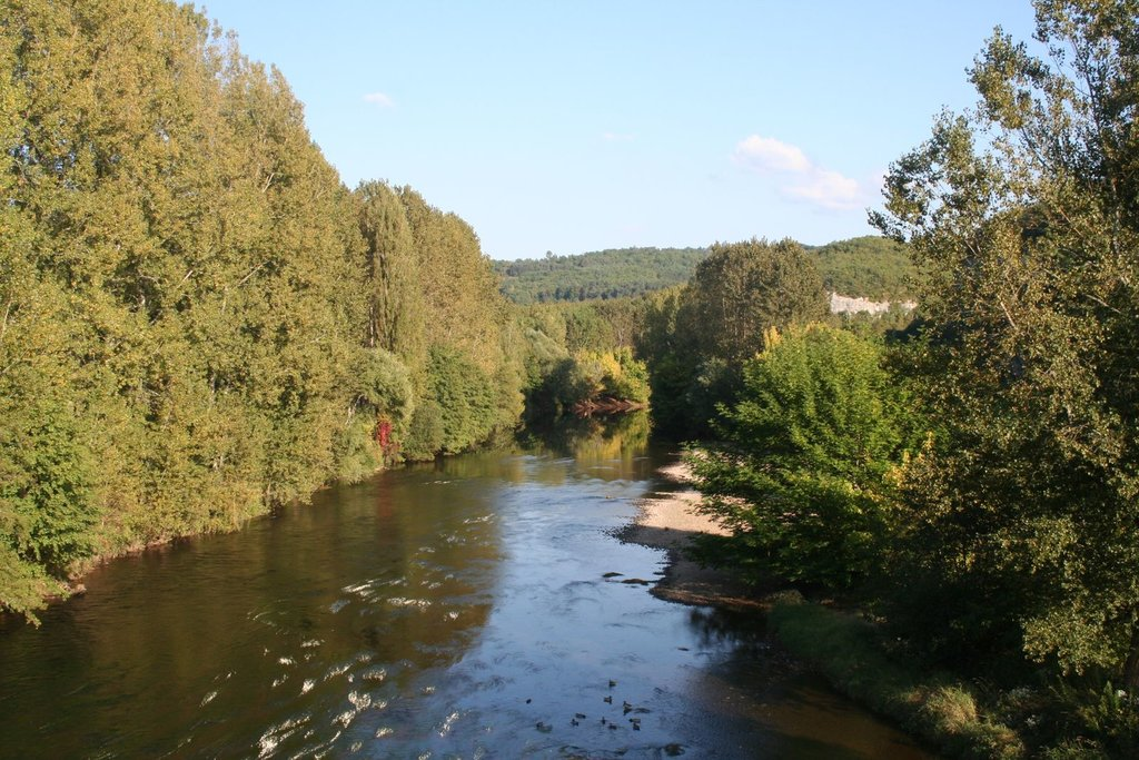 Ride along the Dordogne river