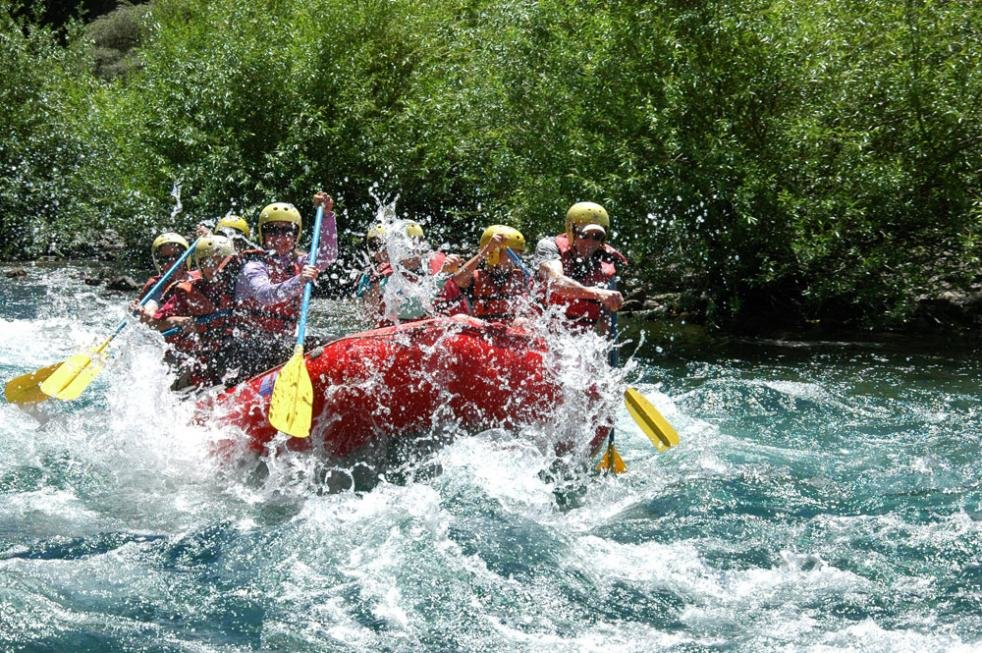 Conquer Class III-IV rapids on the Manso River