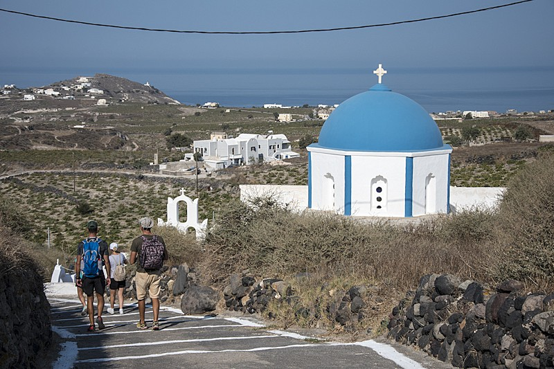 Walk from Pyrgos to Kamari