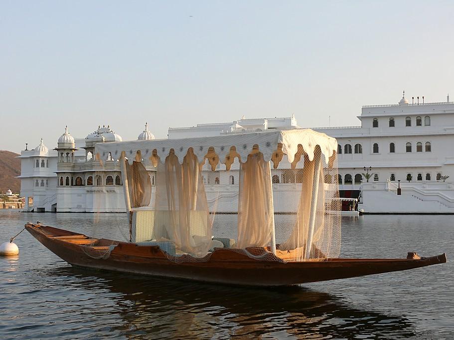 Hotel Taj Lake Palace on the Lake Pichola