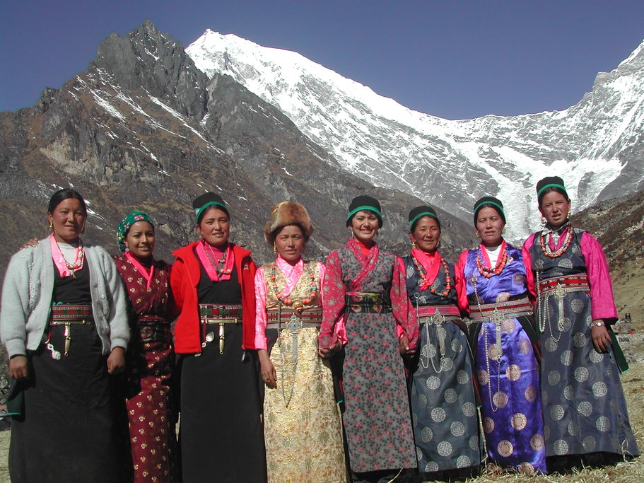 Local women in Kyangjin