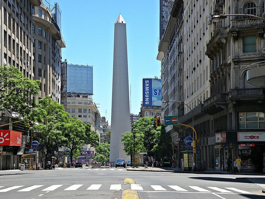 The iconic Obelisco