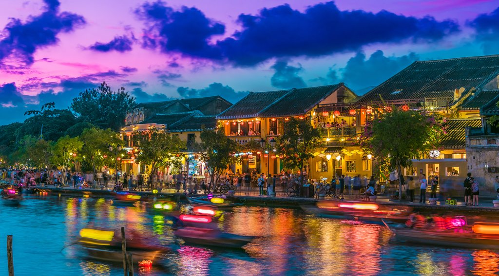 Take an evening stroll along the river in Hội An
