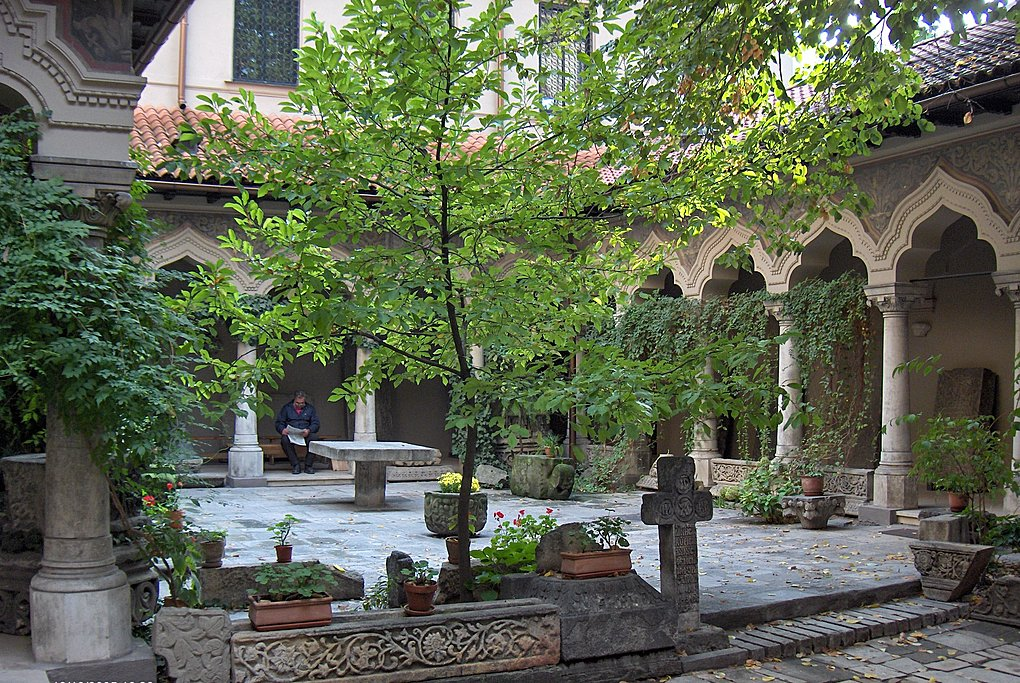 The interior courtyard of one of the oldest churches in Bucharest