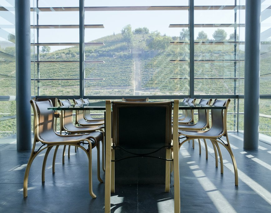 A modern tasting room in Aconcagua Valley