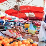 Shop for fresh produce in Aix
