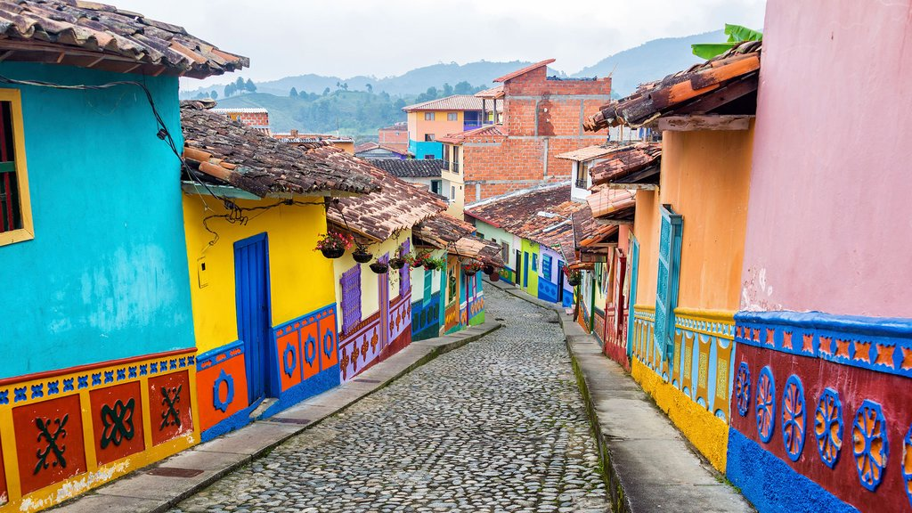 Exploring Colombian streets