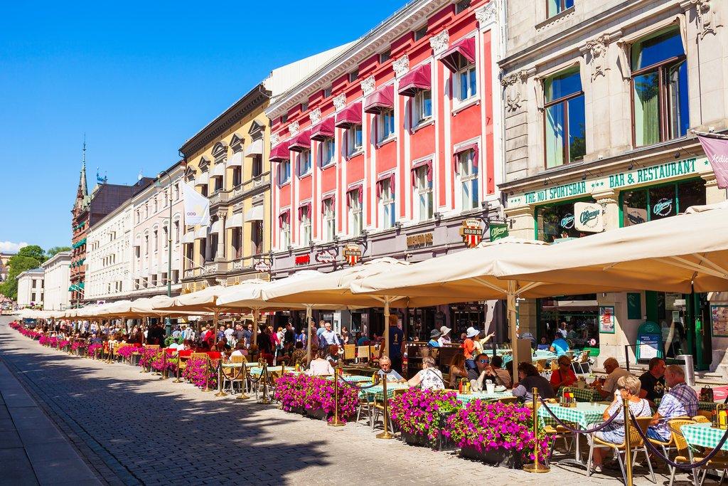 Outdoor cafés in Oslo's historic center