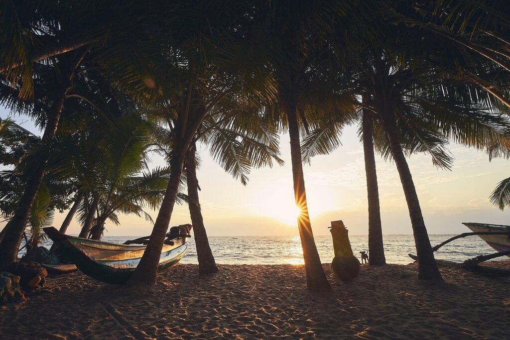 Sunrise over the Indian Ocean in Tangalle, Sri Lanka