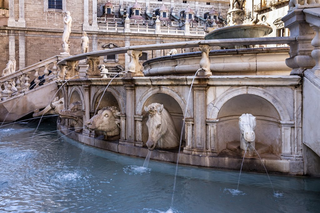 Italy - Palermo - Piazza Pretoria - Fontana Pretoria - close up