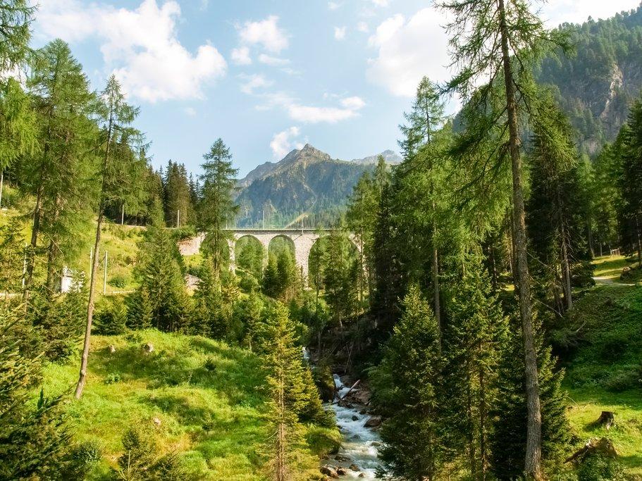 Rhaetian Railway along the Albula Pass