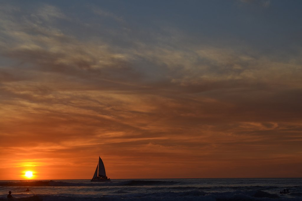 In the evening, you'll go for a sunset sail