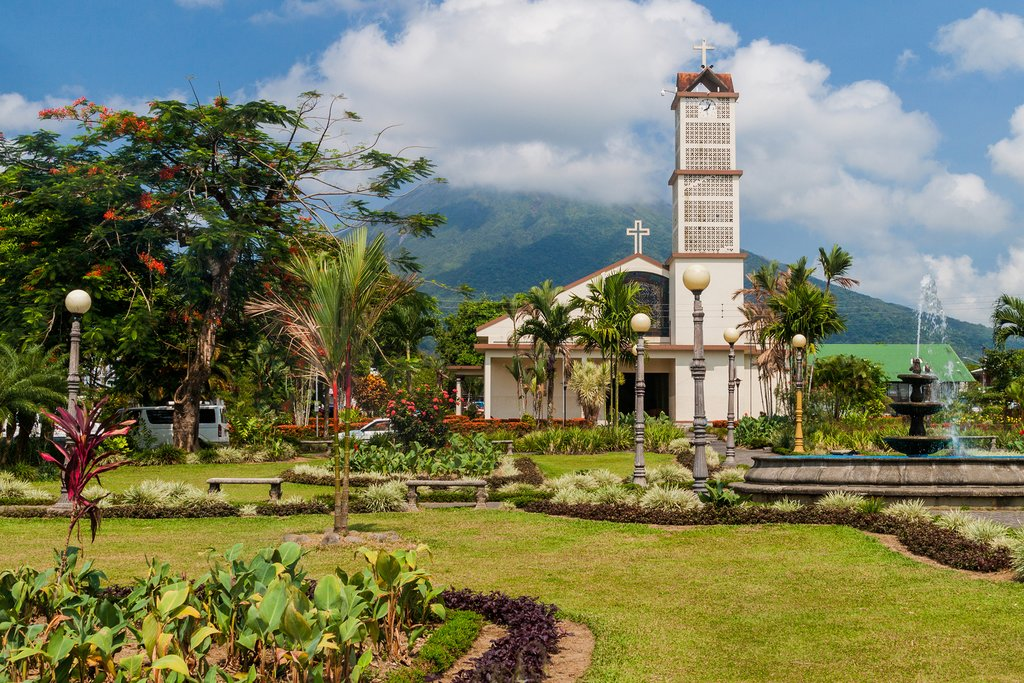 How to Get from Puerto Viejo de Talamanca to Arenal