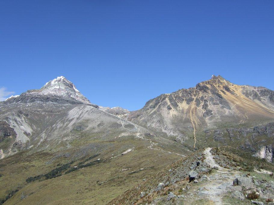 Trek to Illiniza North