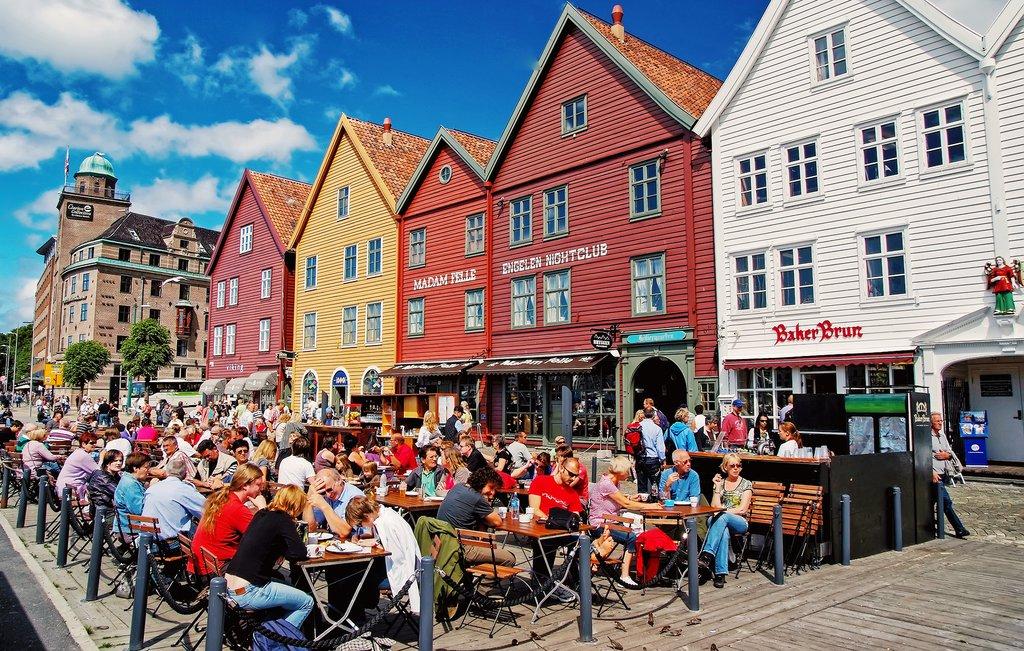 Buzzing sidewalk cafes in Bergen