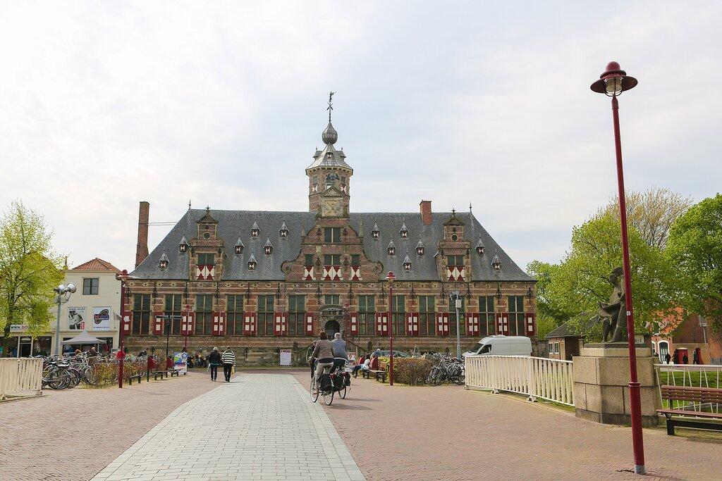 The grand architecture of Kloveniersdoelen