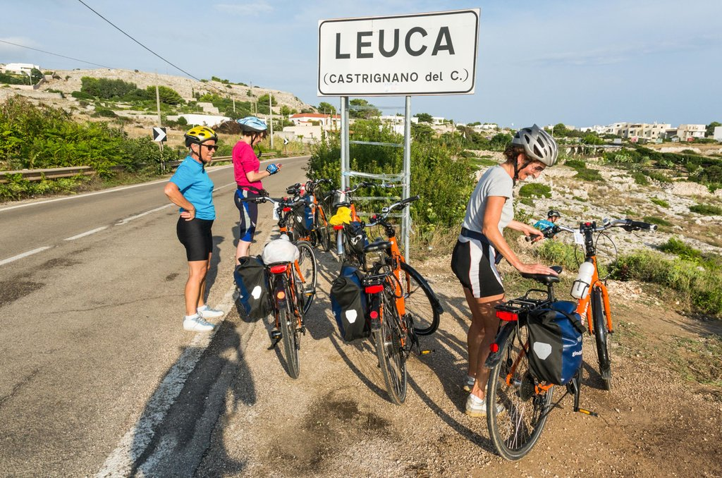 Approaching the village of Leuca