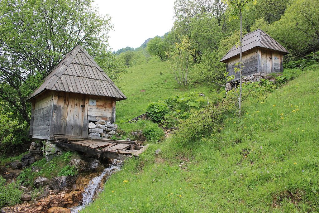 Old watermills of Umoljani (c) Julian Nyča