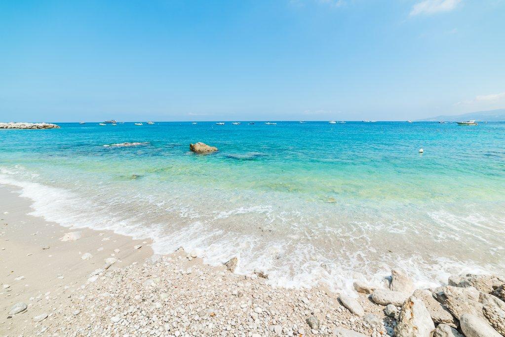 White sand beach and turquoise water in Marina Grande beach