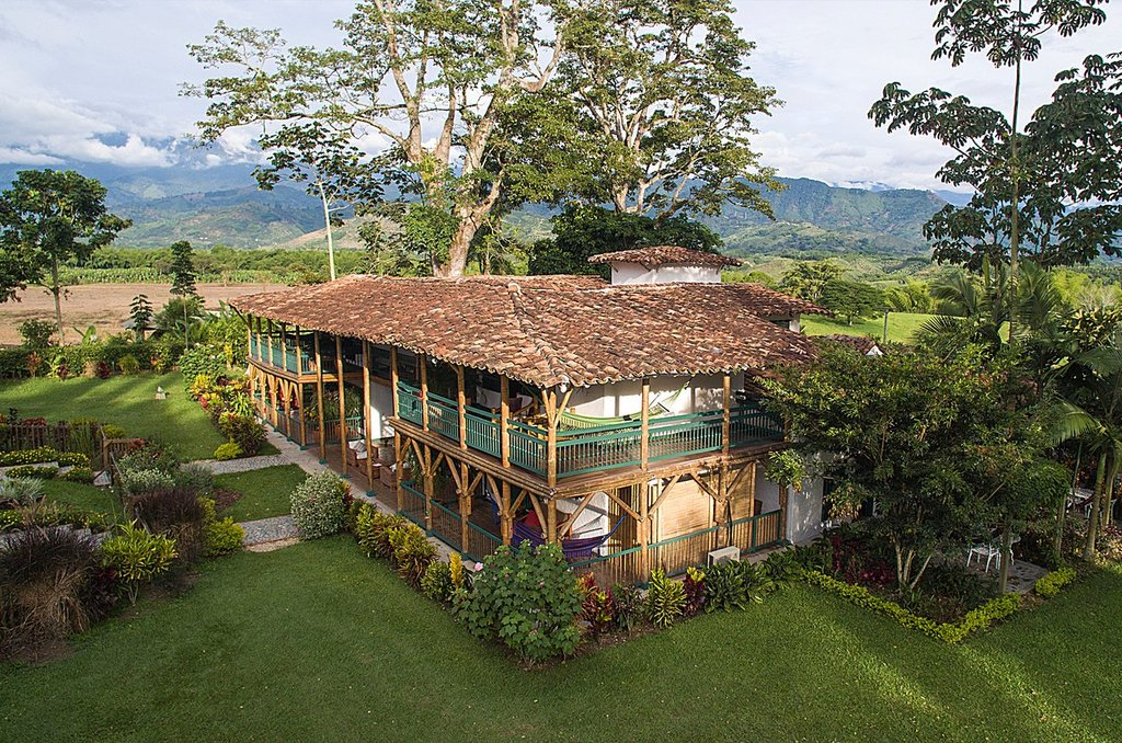 Luxury cocoa farm in the coffee region