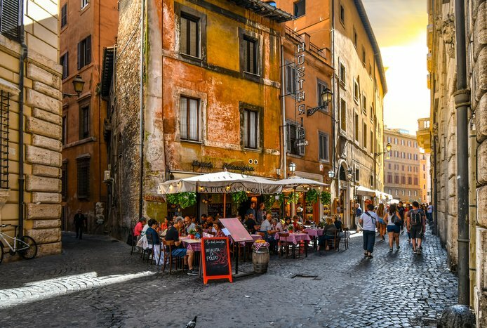 Cafes and Tasty Meals in Rome