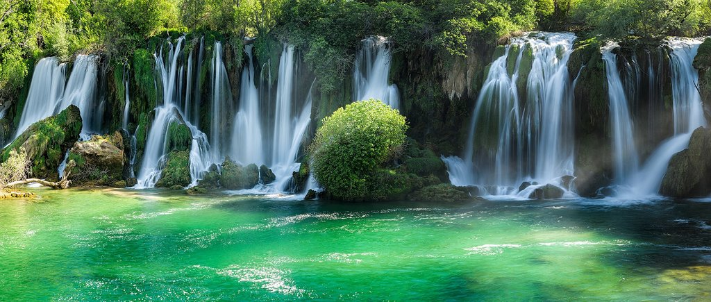 The blue and green waters of the Kravica Waterfall (c) John McSporran