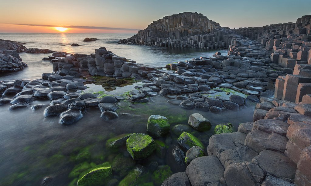 The unusual geology at Giant's Causeway