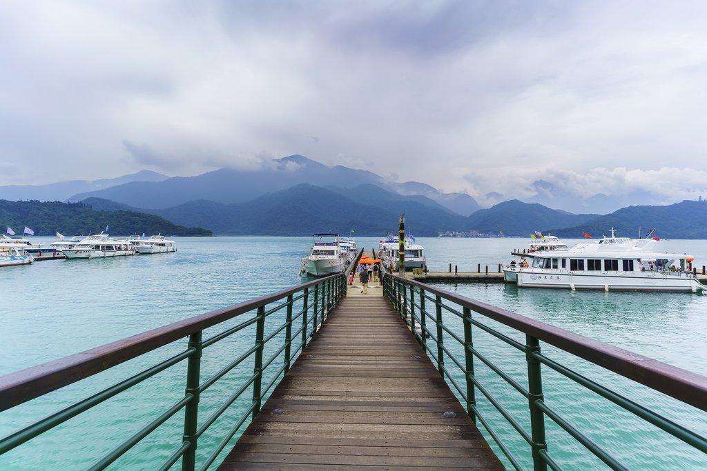 Boating or cycling trip at Sun Moon Lake