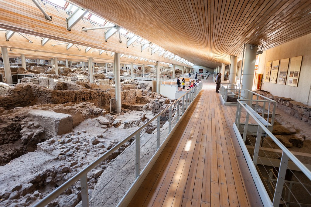 Explore the wonders of Akrotiri