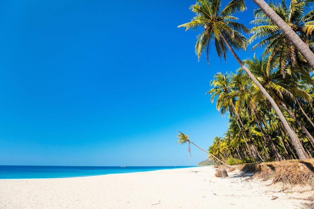 White sandy coastline on Ngapali Beach