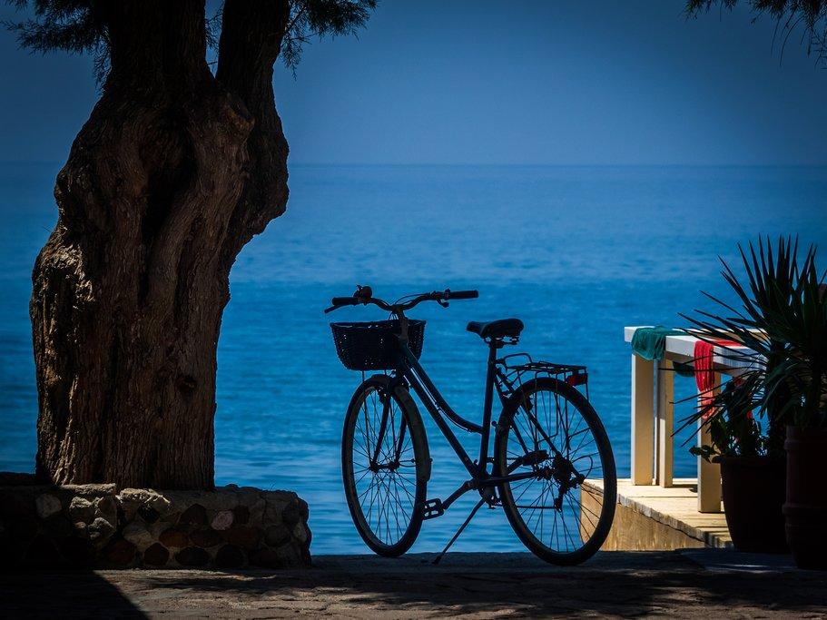 Cycle by the sea