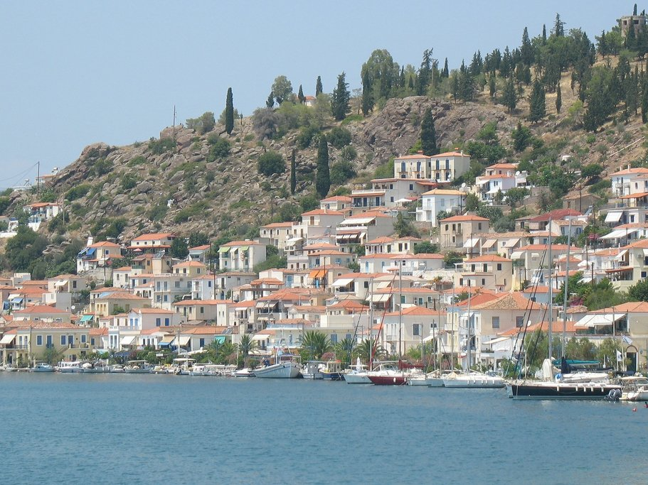 White houses on the Greek islands (Photo courtesy of Pixabay)