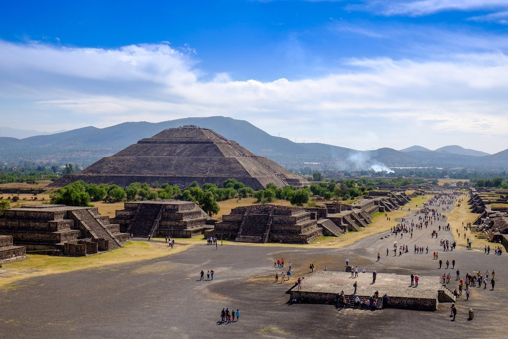 View of the Pyramid of the Sun and the Avenue of the Dead