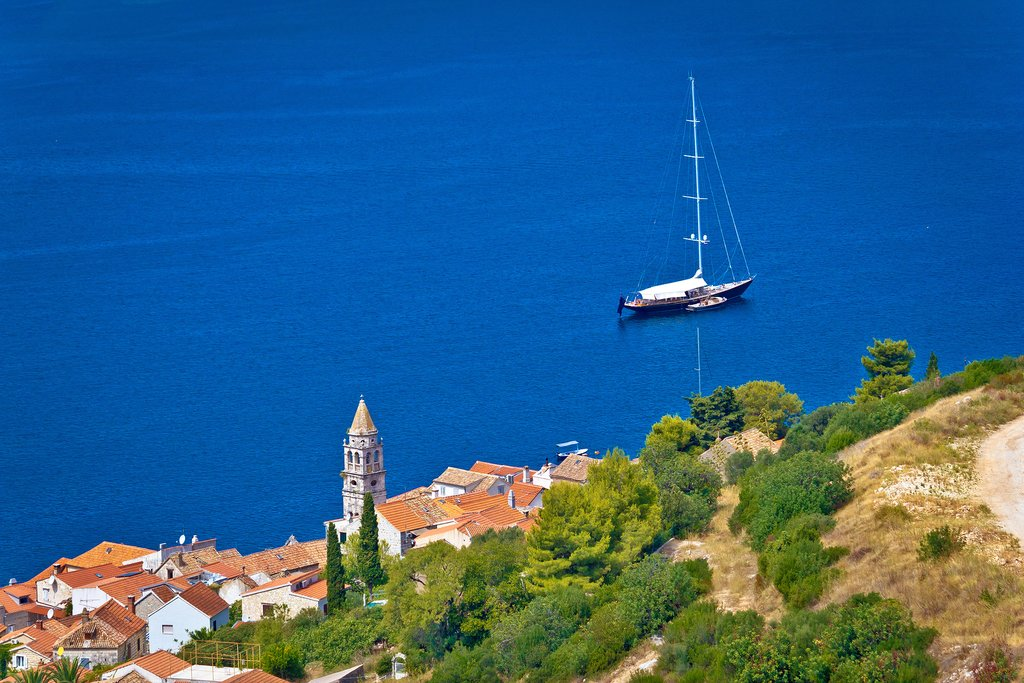 Enjoy a day of sailing around the island of Vis