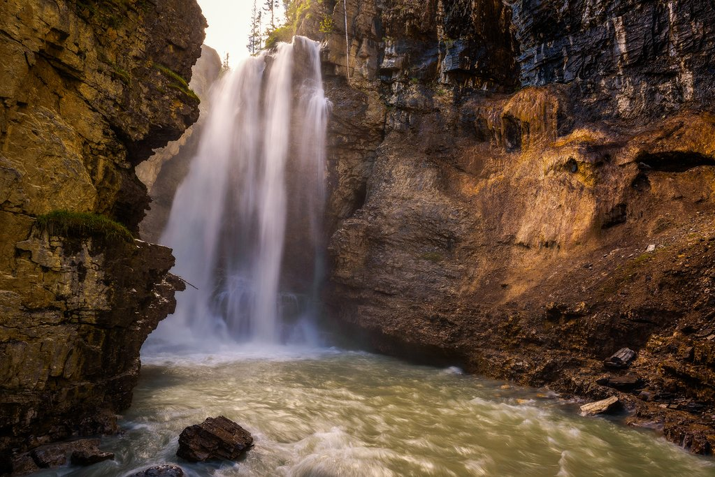 Johnston Canyon, Bow Valley Parkway