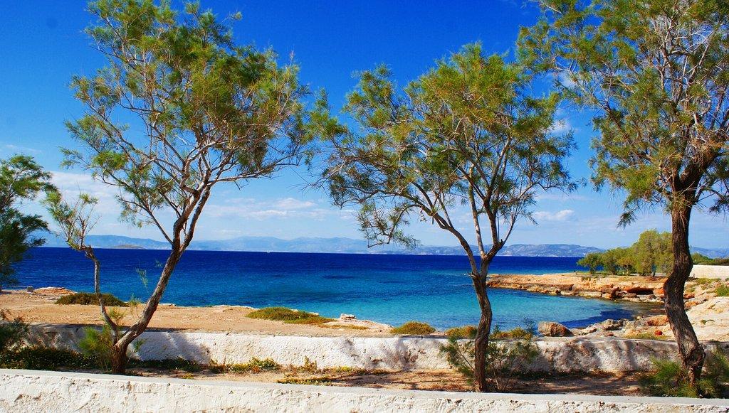 View from the beach on Aegina (Photo courtesy of Pixabay)