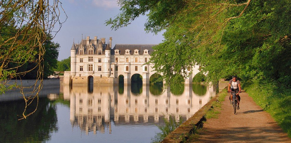 Biking near Chenonceau Castle