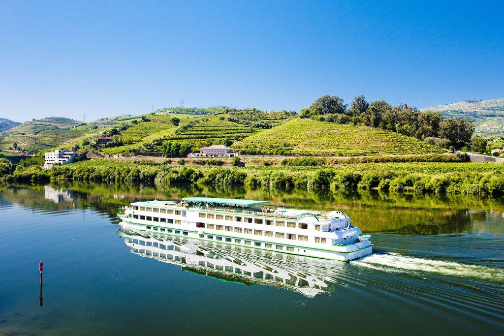 Cruise down the Douro River