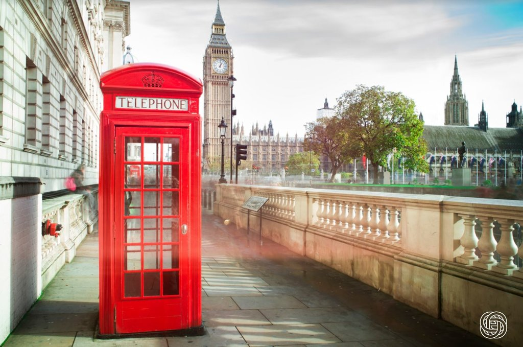 London - Big Ben & Iconic Red Phone Box