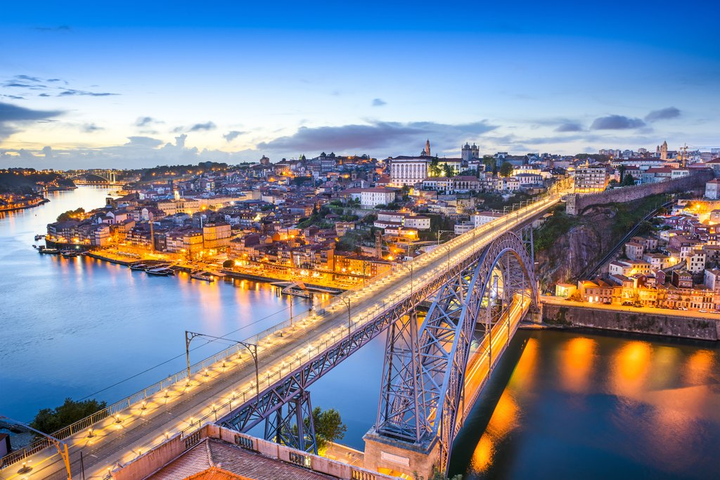 The flickering lights of Porto at dusk