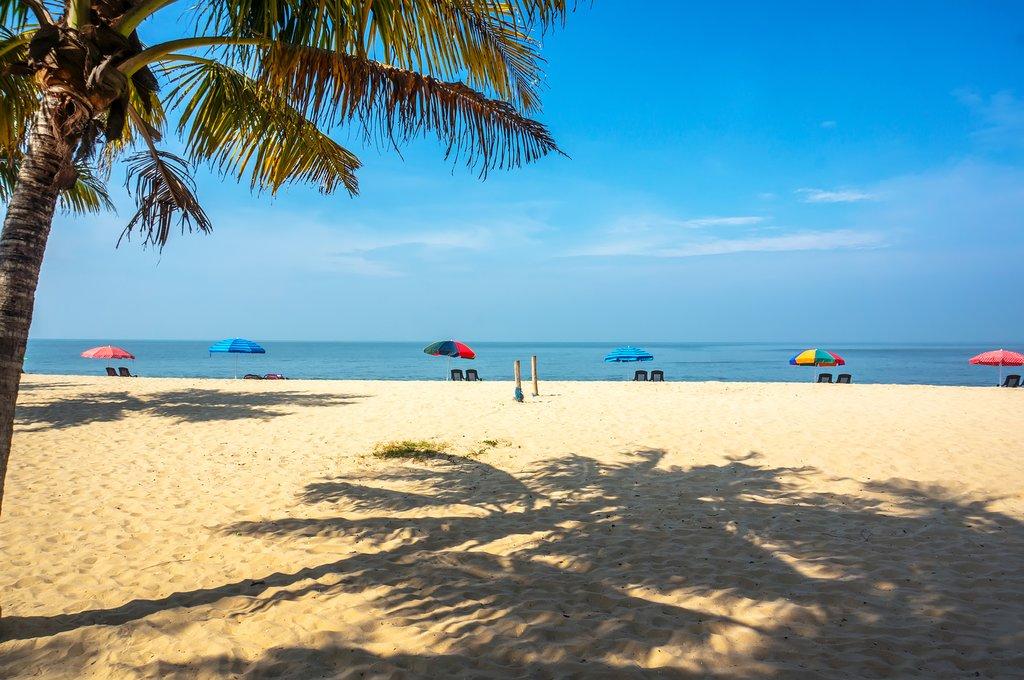 Relax at Marari Beach