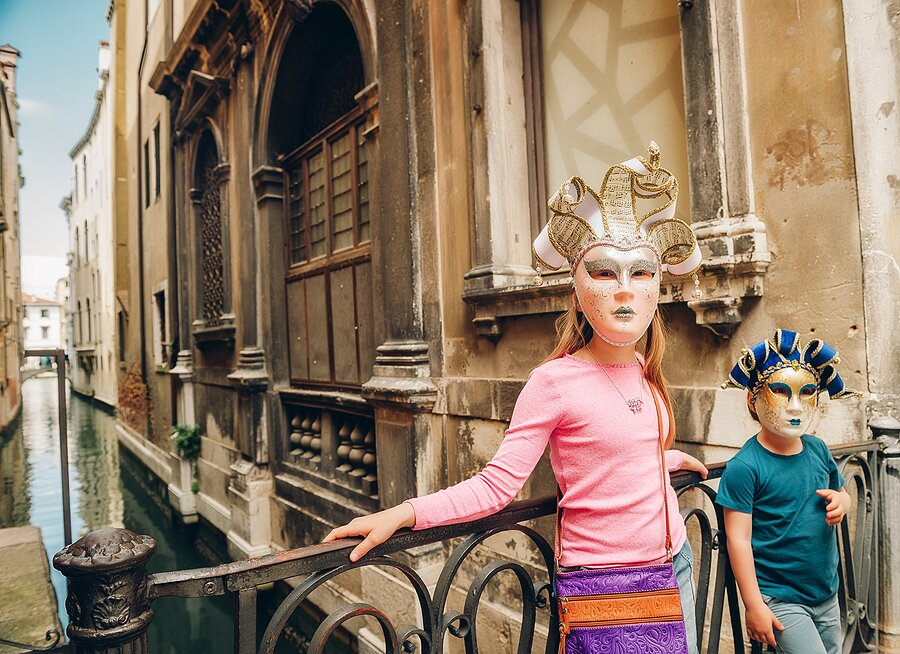 Paint your own Venetian Masks in Venice