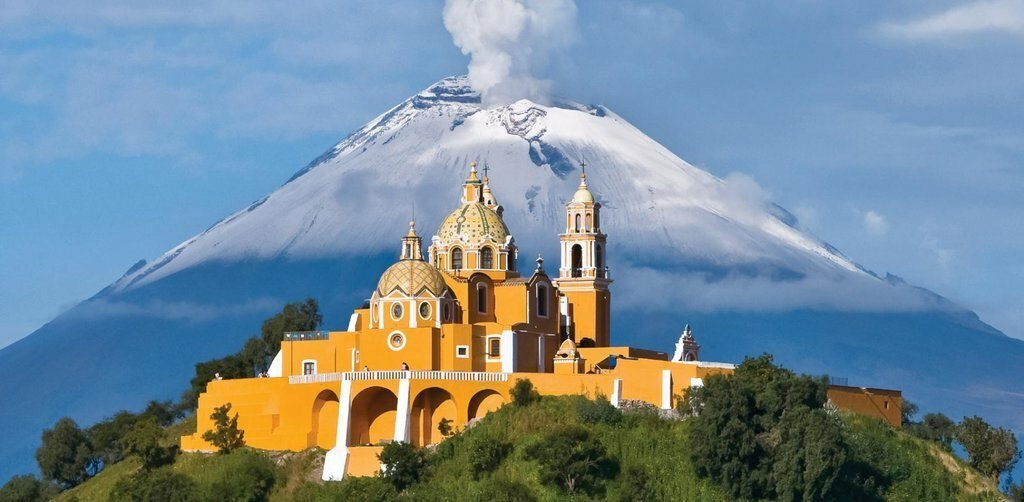 Corn and markets in the magical town of Cholula