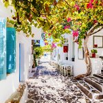 Discover the Mansions & Villas of Syros