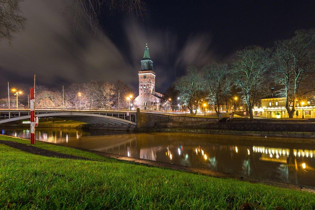 Turku Cathedral at night