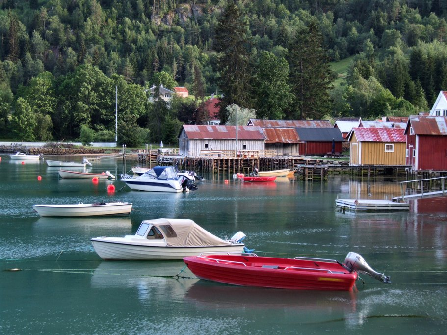 A village along the Lusterfjord