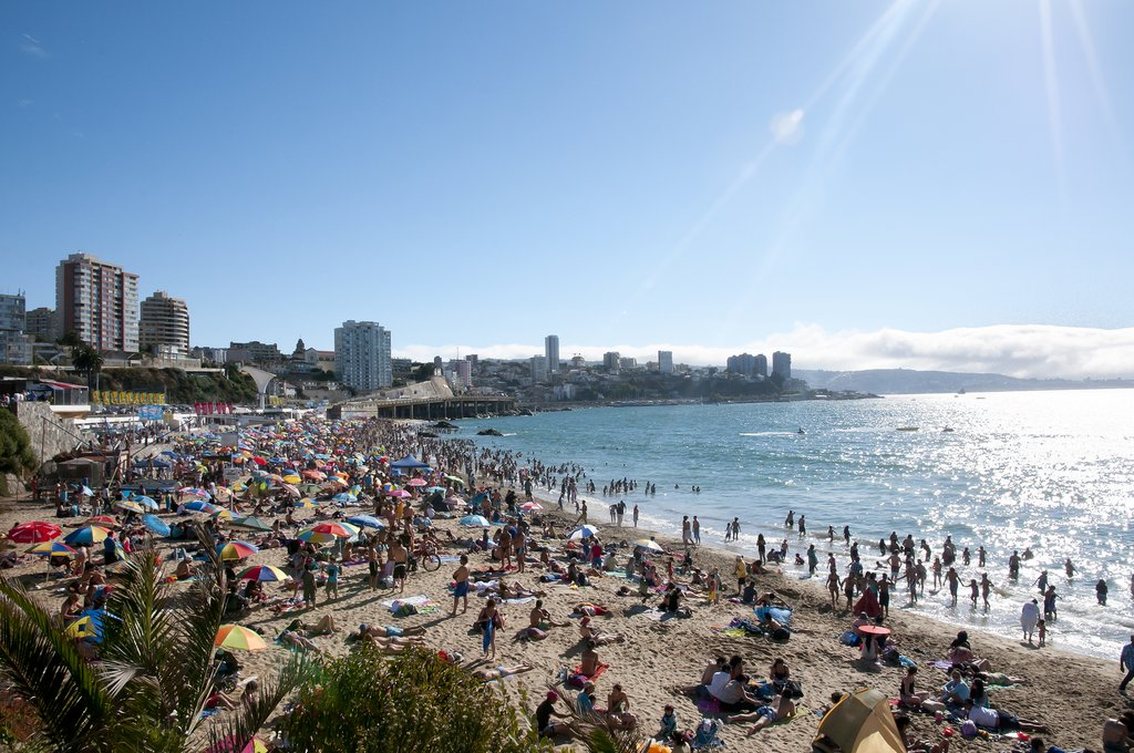 The beaches of Viña are inviting during the summer months