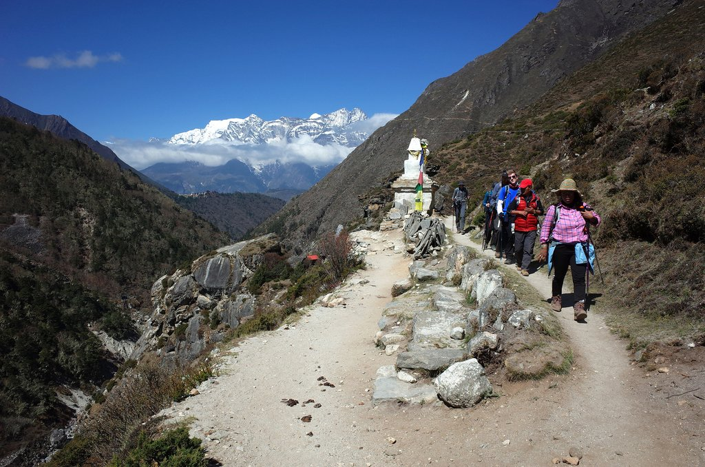 Trekkers on the Everest Base Camp trail